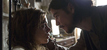 Billie Piper as Brona Croft and Josh Hartnett as Ethan Chandler in Penny Dreadful (season 1, episode 6). - Photo: Jonathan Hession/SHOWTIME - Photo ID: PennyDreadful_106_1195