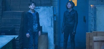Ben Mckenzie Camren Bicondova Gotham Lovecraft 01 350x164