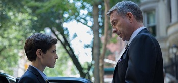 David Mazouz Sean Pertwee Gotham Mask 01 350x164