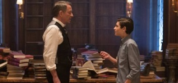 Sean Pertwee David Mazous Gotham All Happy Families Are Alike 01 350x164
