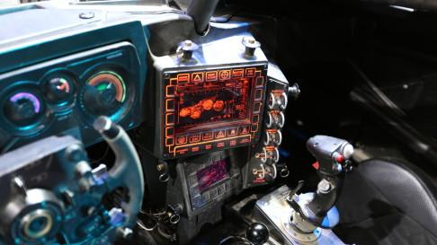 batman-v-superman-batmobile-controls-03