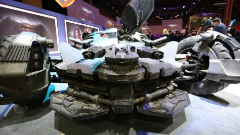 batman-v-superman-batmobile-front-02