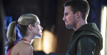 Stephen Amell Emily Bett Rickards Arrow