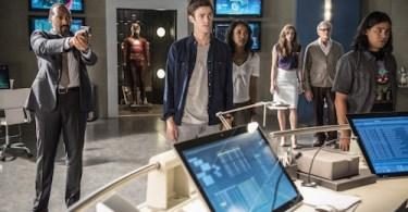Jesse L. Martin Grant Gustin Candice Patton Danielle Panabaker Victor Garber Carlos Valdes The Flash Season Two Still