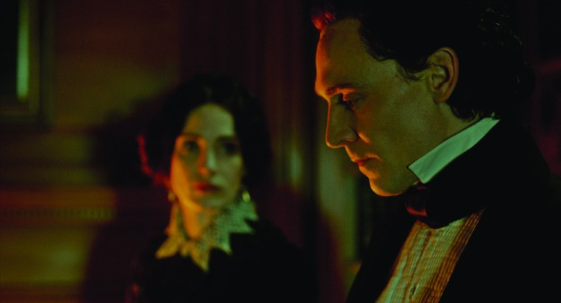 crimson-peak-set-image-19