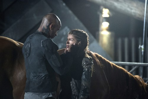 Marie Avgeropoulos Ricky Whittle The 100 Wanheda Part 1