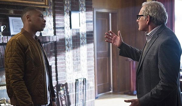 Franz Drameh Victor Garber Legends Of Tomorrow Pilot Part 1 600x350