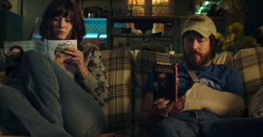Mary Elizabeth Winstead John Gallagher Jr 10 Cloverfield Lane