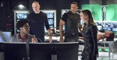 Echo Kellum Paul Blackthorne David Ramsey Katie Cassidy Stephen Amell Arrow Beacon of Hope