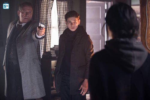 David Mazouz Sean Pertwee Julia Taylor Ross Pinewood Gotham
