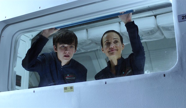 Asa Butterfield Carla Gugino The Space Between Us