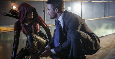 Stephen Amell Willa Holland Arrow Legacy