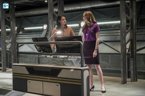 Carlos Valdes Danielle Panabaker Dead or Alive The Flash