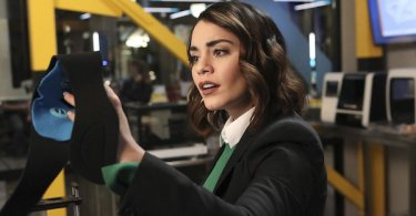 Vanessa Hudgens Powerless Wayne or Lose