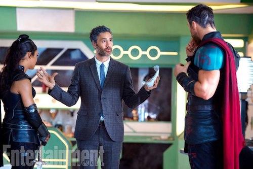 Tessa Thompson Taika Waititi Chris Hemsworth Thor: Ragnarok