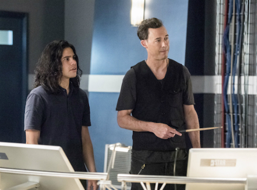 Carlos Valdes Tom Cavanagh Infantino Street The Flash