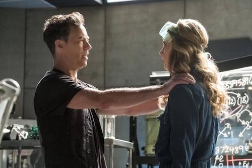 Tom Cavanagh Anne Dudek Cause and Effect The Flash
