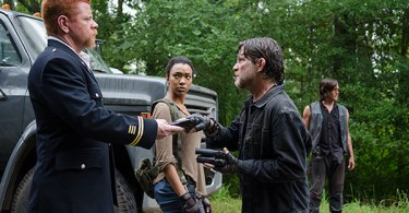 Michael Cudlitz Sonequa Martin Green Norman Reedus The Walking Dead Season 6