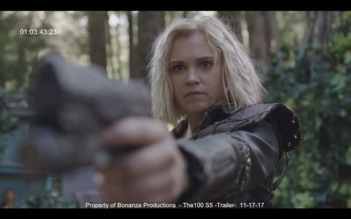 Eliza Taylor Gun The 100 Season 5