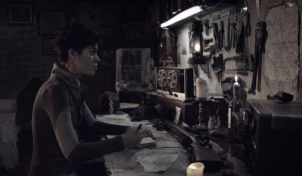 LUNATIQUE (2016) Short Film: Lila Guimaraes Searches For Survivors