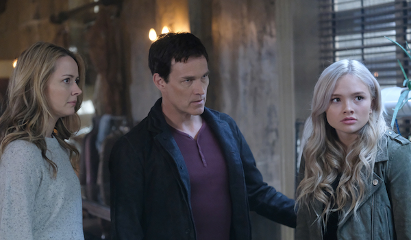 Amy Acker Stephen Moyer Natalie Alyn Lind The Gifted eXtraction X-roads