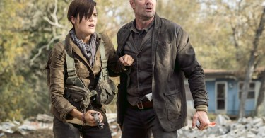 Maggie Grace Garret Dillahunt Fear the Walking Dead Season 4 Episode 1