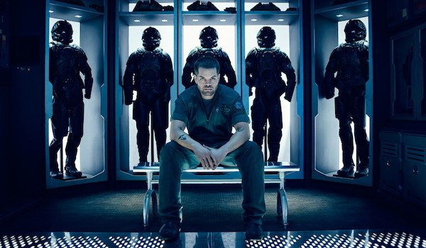 "THE EXPANSE: Season 3 TV Show Trailer 3: ""Divided by hate...United by war"" [Syfy]"