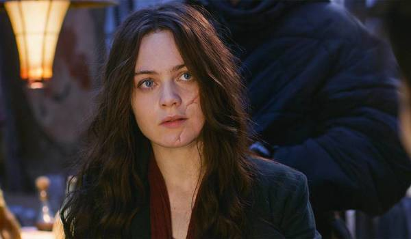 MORTAL ENGINES (2018): Peter Jackson & Christian Rivers On Hester Shaw's Scar & A Rebuttal to Their Rationale