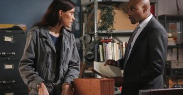 Jennifer Carpenter, Morris Chestnut The Enemy Within Black Bear