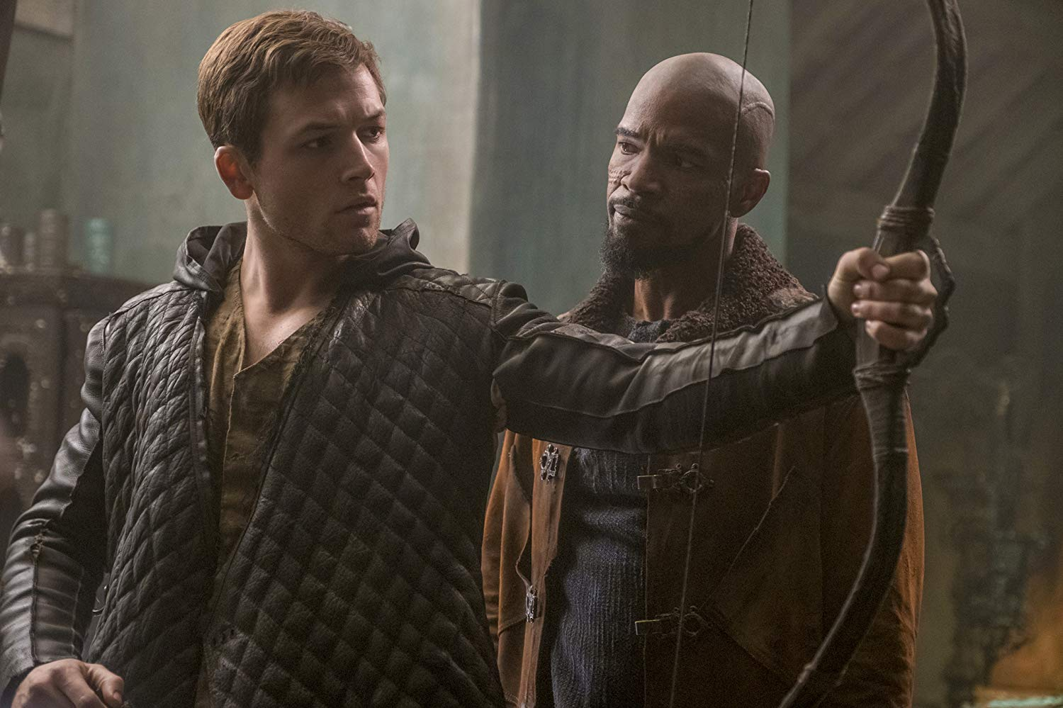 Robin Hood film review; action, adventure; Taron Egerton, Jamie Foxx