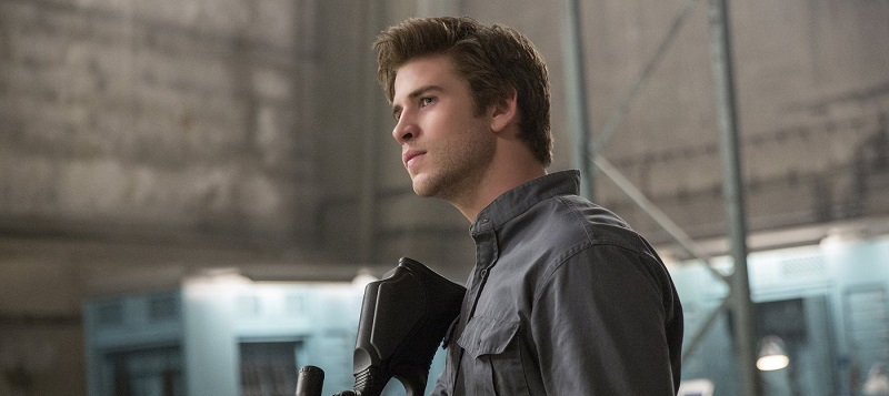 Liam-Hemsworth-in-The-Hunger-Games-Mockingjay-Part-1