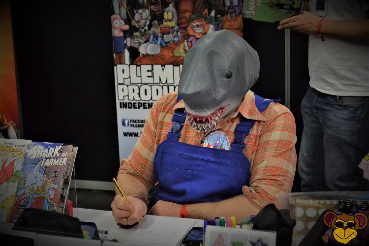 German Comic Con 2016 - Hai beim Zeichnen