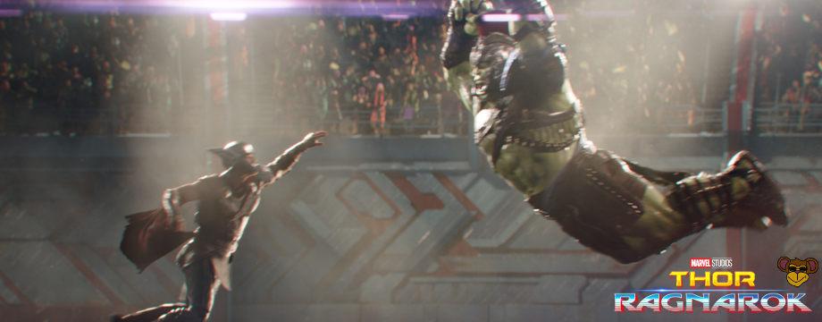 Thor Tag der Entscheidung - Filmkritik   Das Duell in der Arena zwischen Thor und Hulk