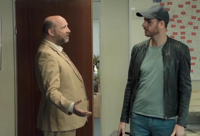 https://www.nu.nl/film/5820477/henry-van-loon-speelt-hoofdrol-in-nieuwe-komedieserie-random-shit.html