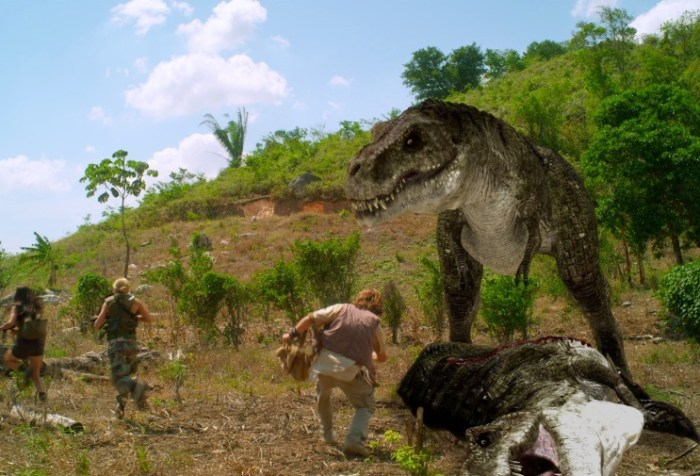 https://jigsawshorrorcorner.wordpress.com/2019/04/05/jurassic-attack-2013/