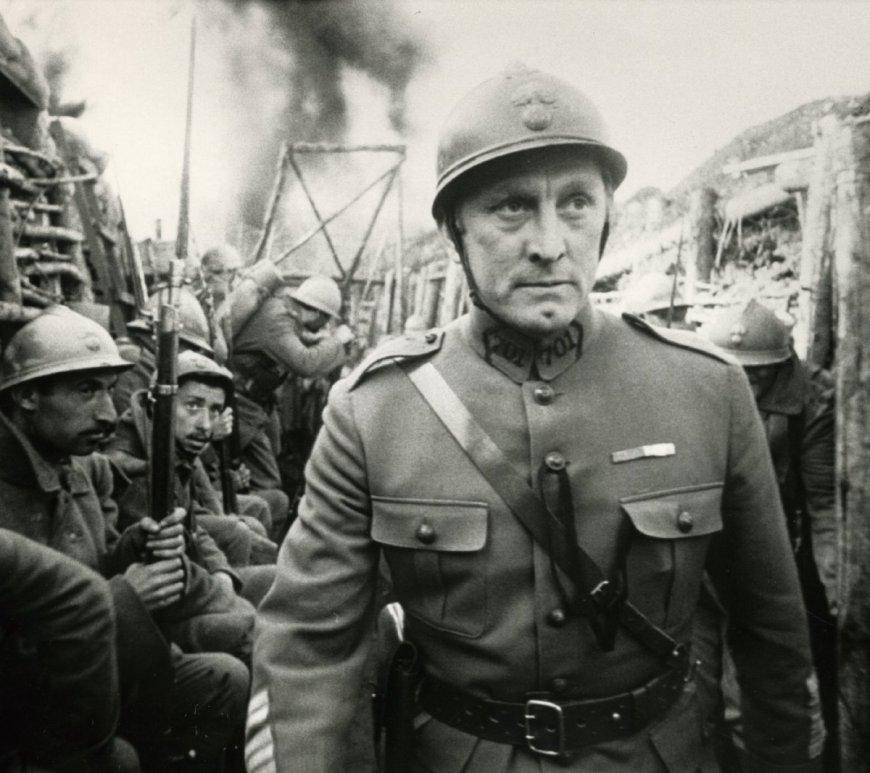 https://movierdo.com/paths-glory-standout-war-movie/