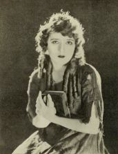 Tess_of_the_Storm_Country_(1922)_-_Pickford