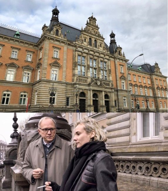 """The Criminal Justice Building in Hamburg as a film location in """"In the Fade"""". Photo 1: © FilmFanTravel.com, Photo 2: © Warner Brothers/Gordon Timpen, SMPSP"""