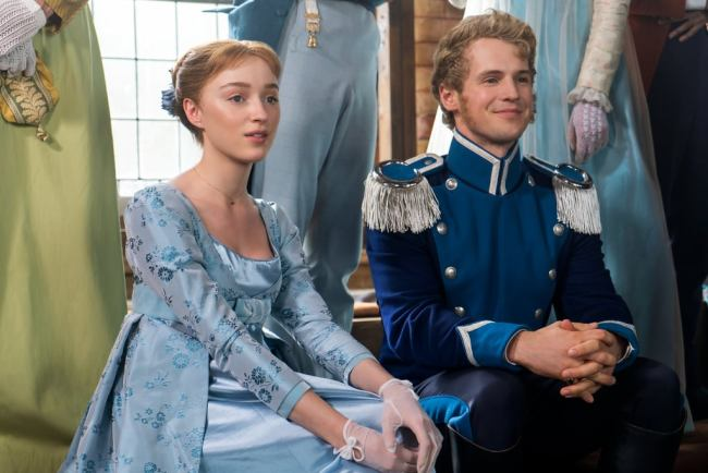 """Daphne at an """"awkward date"""" with the dashing Prince Frederick of Prussia. Photo: © Netflix"""