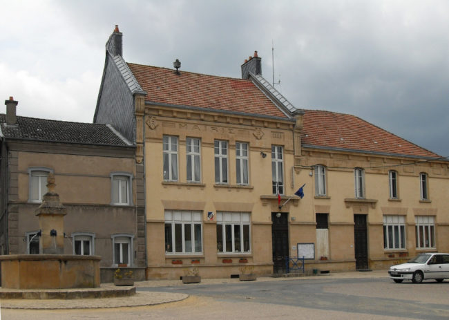 The town hall of Marville. Photo: By Rauenstein (Self-photographed), via Wikimedia Commons