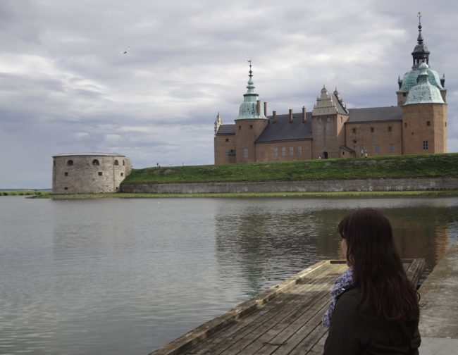Watching the sunset at Kalmar Castle. © Sonja Irani / filmfantravel.com
