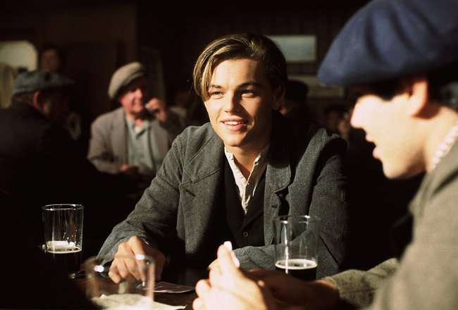 Leo at the pub. Photo: © 1997 - Paramount Pictures