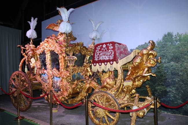 "Golden carriage made for the film ""Ludwig II"""