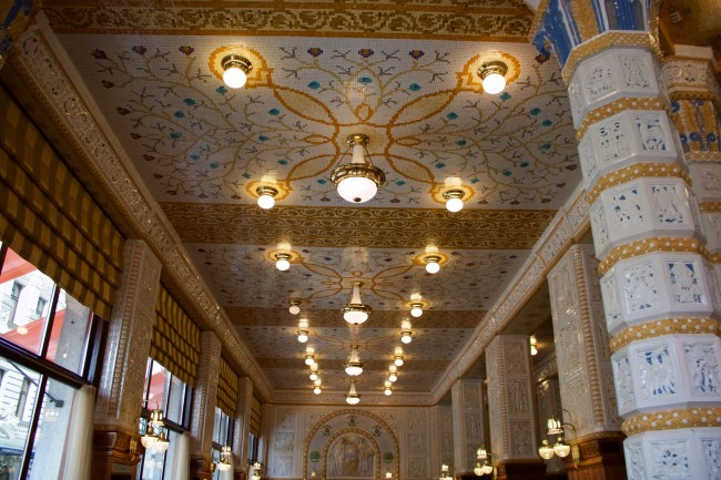 Inside the Café Imperial in Prague. © Sonja Irani / filmfantravel.com