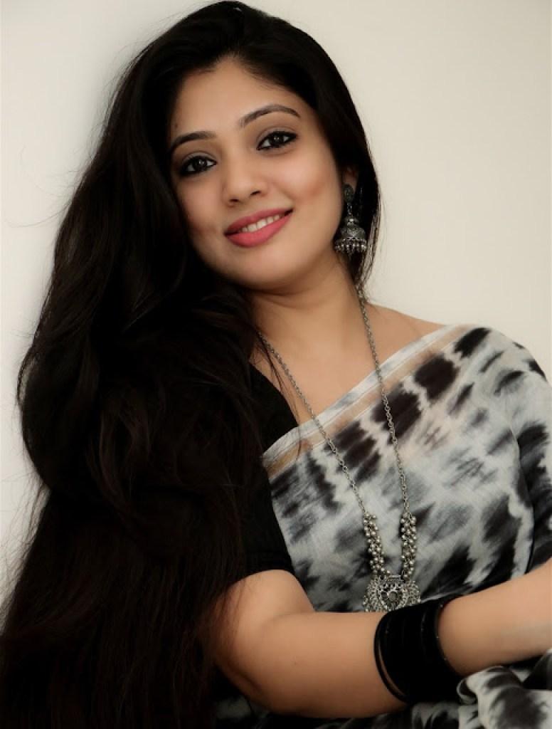 76+ Gorgeous Photos of Veena Nandakumar 66