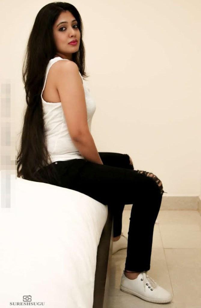76+ Gorgeous Photos of Veena Nandakumar 64