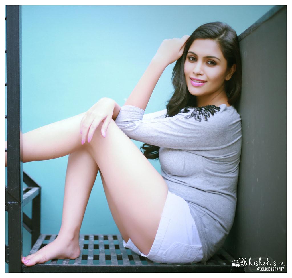 28+ Gorgeous Photos of Sruthi Ramakrishnan 4