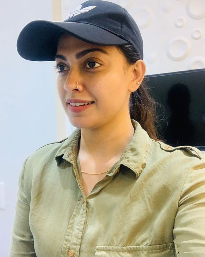 Check out this 89+ HD Photos of Anusree 70