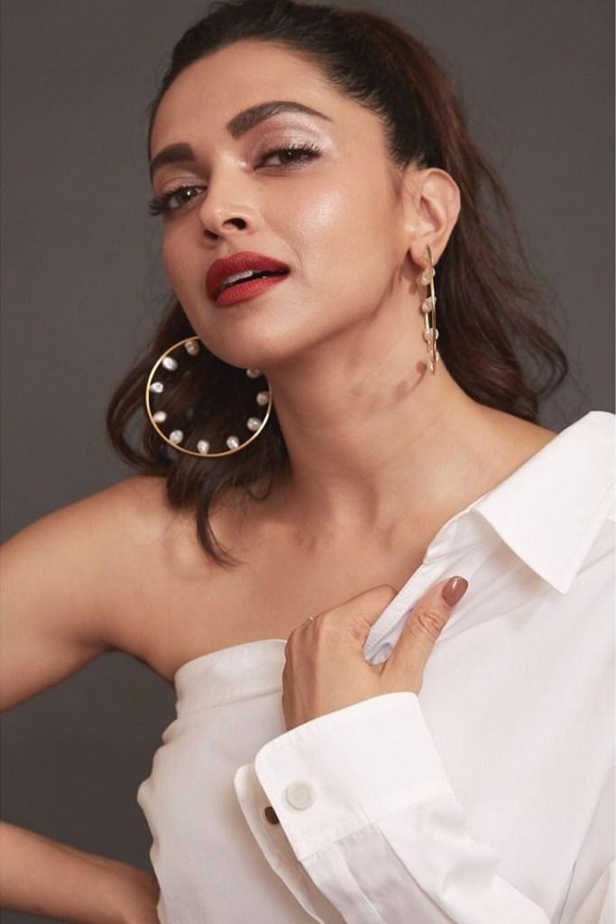 65+ Glamorous Photos of Deepika Padukone 2