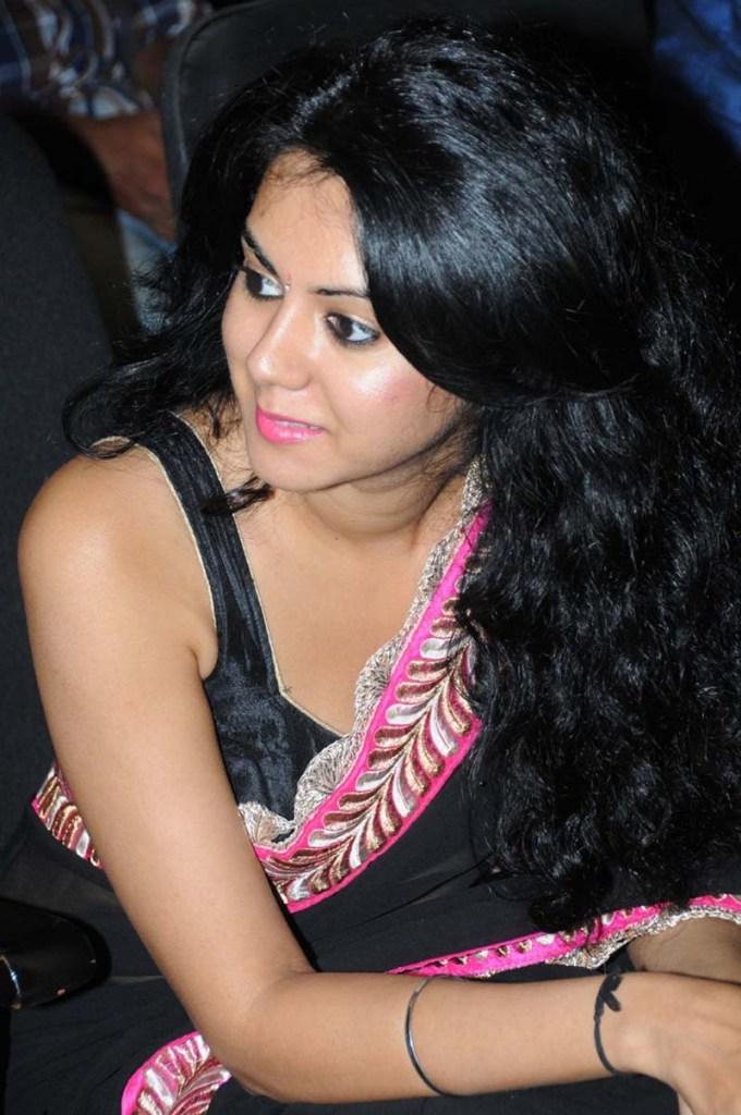 44+ Beautiful photos of Kamna Jethmalani 86
